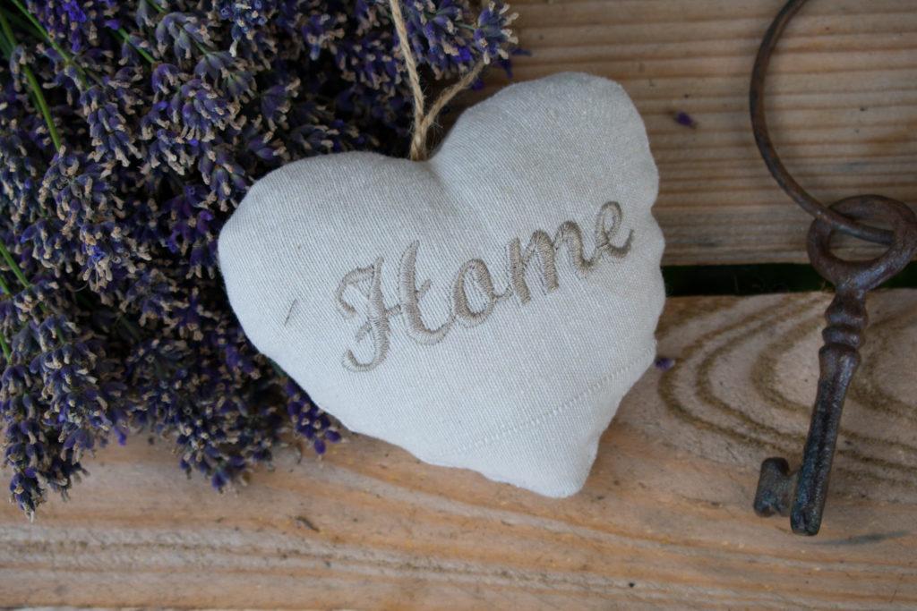 beschriftetes Herz mit Lavendel-Füllung